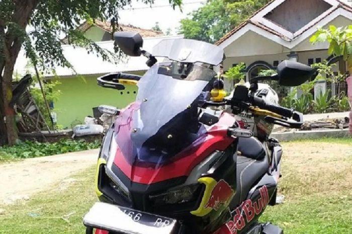 Pemilik Honda ADV150 galau dengan kemuculan Yamaha NMAX terbaru.