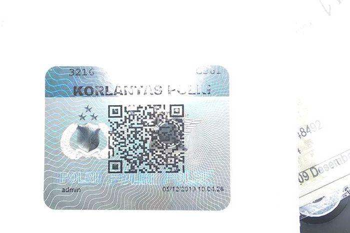 QR Code jika discan ketahuan sudah bayar pajak atau belum dan ada data pemilik kendaraan