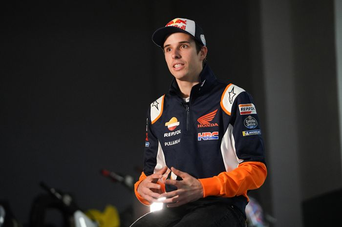 Alex Marquez pertama kalinya diwawancara mengenakan seragam tim Repsol Honda Team di awal 2020