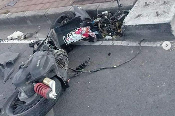Seorang driver ojol wanita tewas kecelakaan, Honda Vario 150 hancur berkeping