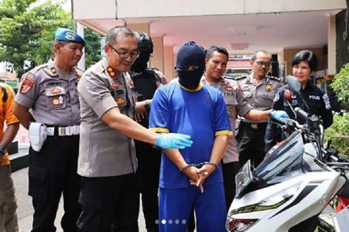 Pelaku penipuan jual motor baru harga murah kepada warga di Sukoharjo, Jateng.
