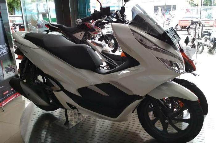 Modal Rp 1 jutaan bisa pesan Honda PCX 150.