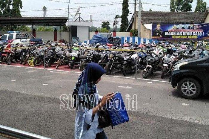 Suasana penyimpanan motor bodong yang telah di sita Polres Bangkalan