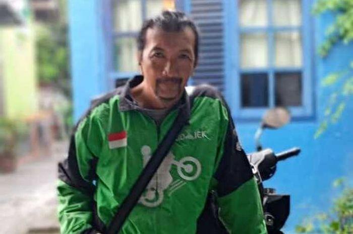 Seorang driver ojek online (ojol) rela kirim bakpia dari Yogyakarta ke Jakarta untuk ibu hamil yang sedang ngidam.