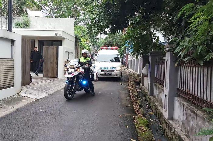Voorijer Dengan BMW R 1200 GS kawal jenazah Ashraf suami BCl.