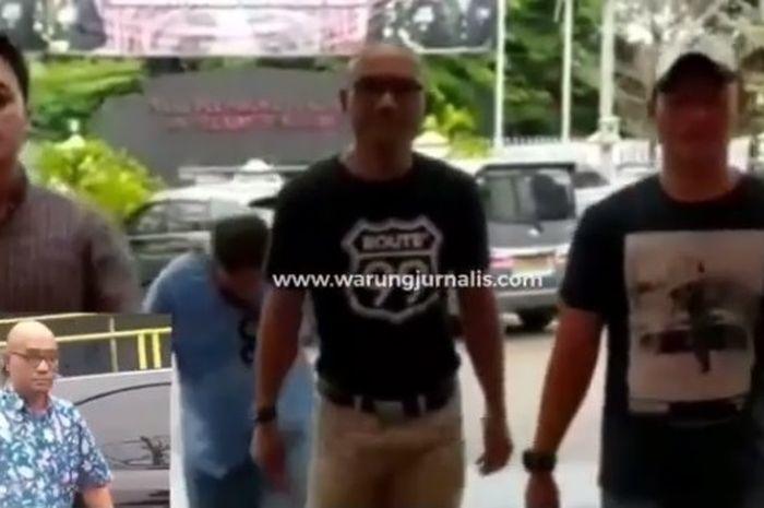 Pria berkepala botak yang memukul supir ambulans sudha ditangkap polisi
