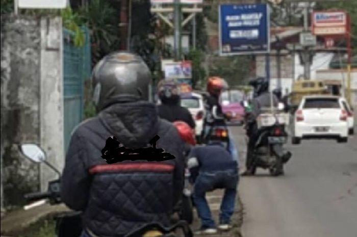 Oknum debt collector meresahkan warga Sukabumi Jawa Barat, motor tarikan malah dijual murah.
