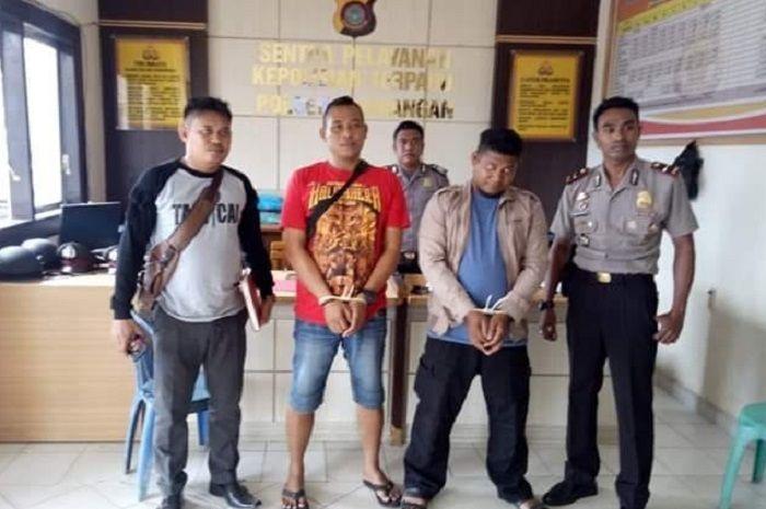Dua debt collector yang merampas motor warga diringkus polisi, pelaku terancam 9 tahun penjara.