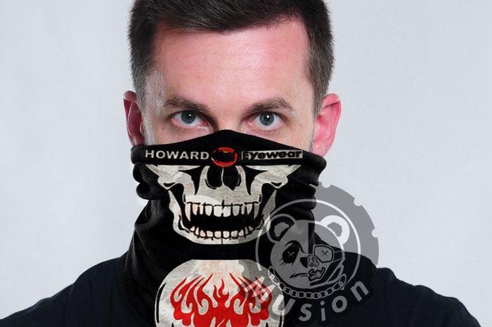 Bikers langsung panas dingin, lelaki ini pakai masker buat menangkal wabah virus corona, lah harga maskernya bisa buat beli Yamaha MT-25.
