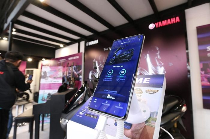 "Yamaha motor menghadirkan uji coba Y-connect di booth Yamaha Java Jazz untuk menjawab rasa penasaran sekaligus mengedukasi konsep ""Connected"" kepada masyarakat Indonesia."
