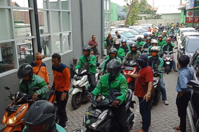 PSBB Ketat di Jakarta Ojol Tetap Boleh Narik dan Angkut Penumpang, Tapi Gak boleh Lakukan Ini