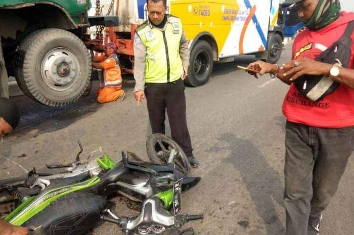 Kecelakaan beruntun yang melibatkan 3 kendaraan