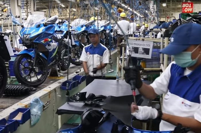 Ilustrasi. Proses perakitan di pabrik Suzuki