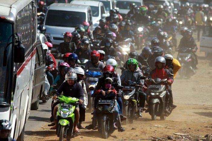 Ilustrasi mudik naik motor. Begini komentar bikers dari komunitas motor yang hobi turing mengenai larangan mudik 2020