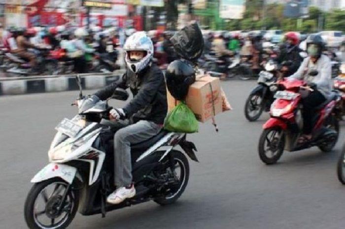 Ilustrasi mudik naik motor. Meski ada larangan mudik, namun Yogyakarta masih membolehkan pemudik datang.