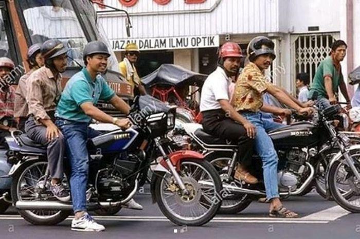Suasana jalanan tahun 1980an