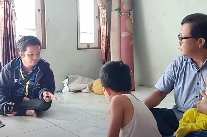Debt collector dihadapi bapak dan 3 balita