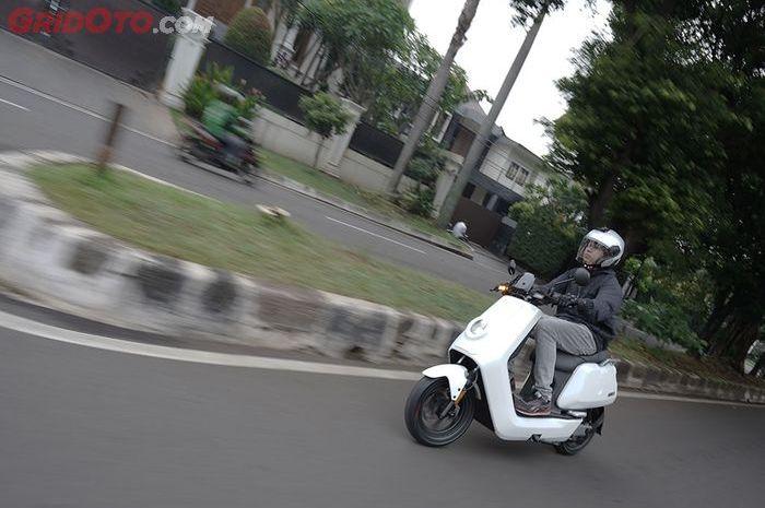 Motor listrik yang punya fitur canggih, NIU Scooter
