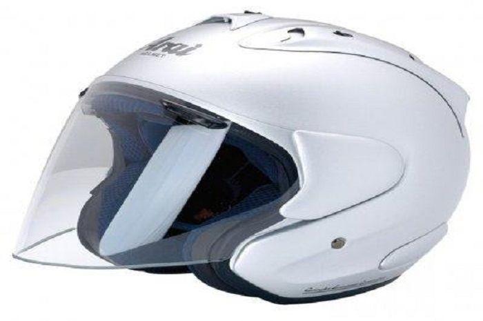 Ilustrasi helm Arai palsu dengan model SZ-Ram III