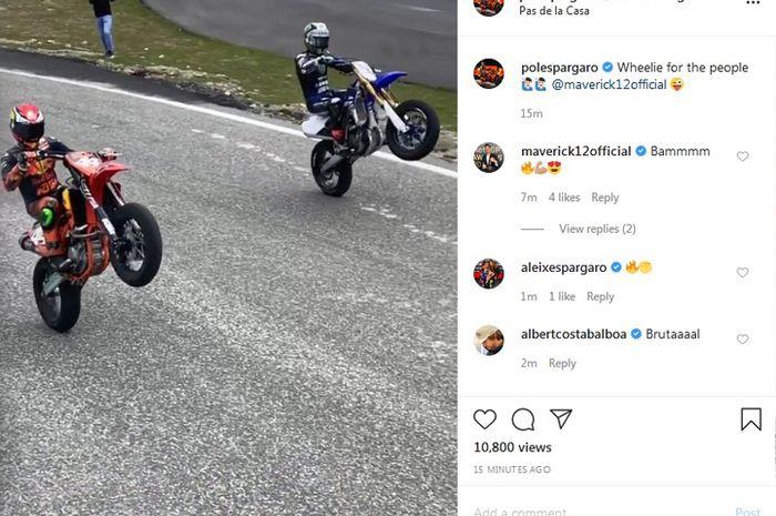 Duet apik Pol Espargaro dan Maverick Vinales aksi wheelie bareng saat latihan ngegas motor di sirkuit Andorra Pas de la Casa, (19/5/2020)