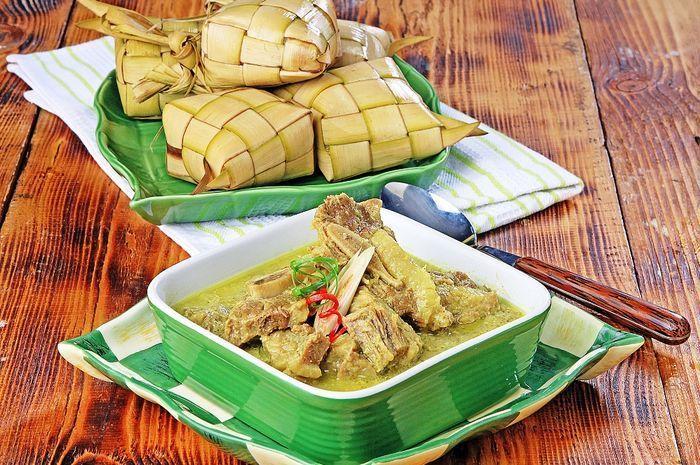 Ketupat jadi makanan khas saat Lebaran.