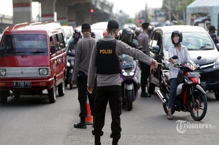 Ilustrasi pengecekan SIKM. Polisi siapkan 11 pos pengecekan SIKM Jakarta, ini sebaran lokasinya.