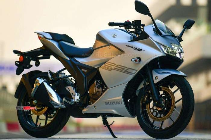Salah satu saingan Kawasaki Ninja 250, Suzuki Gixxer SF 250 (kiri) sudah resmi dijual, harganya murah banget.