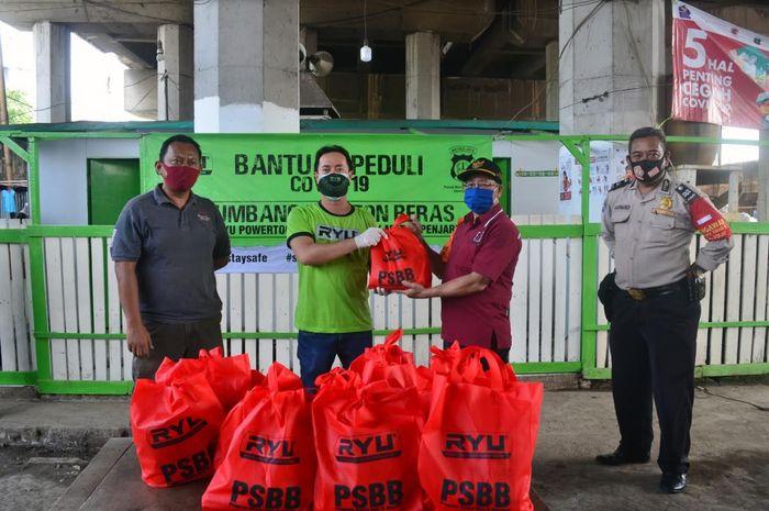 Ryu Powertools berkolaborasi dengan Polsek Metro Penjaringan melakukan aksi sosial membagikan 5 ton beras kepada warga kelurahan Penjaringan Jakarta Utara