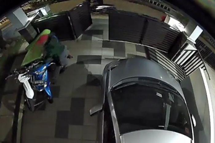 Komplotan maling gagal gondol motor incaran, aksinya kepergok CCTV dan pemilik motor