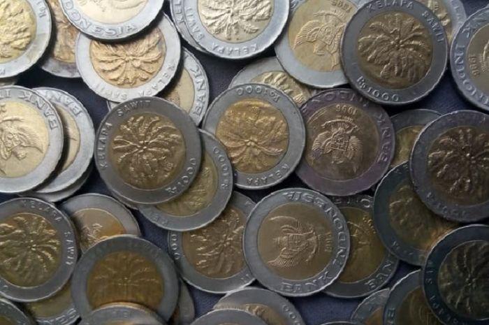 Uang koin bergambar kelapa sawit sedang jadi buruan masyarakat dan bikers karena bisa dijual mahal.