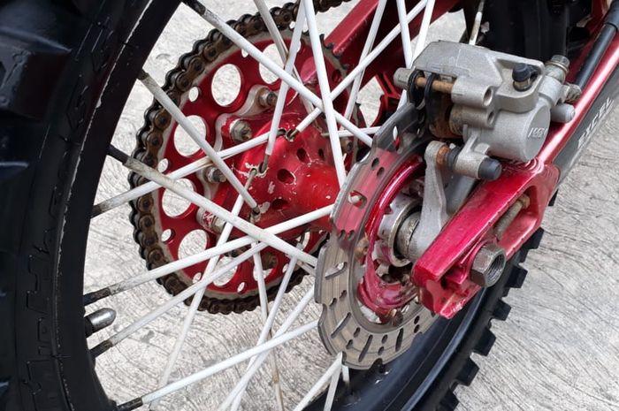 Kondom jari-jari pelek motor trail bahannya tebal