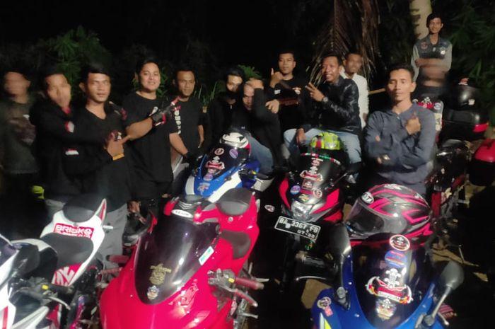 Pasca pelonggaran PSBB, komunitas motor GSX Community Nusantara (GCN) chapter pariaman langsung mengadakan kopdar.