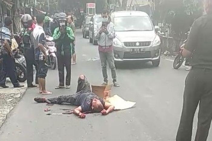 Potongan video, satu korban penuh bacokan yang berhubungan dengan kejadian di Green Lake City Tangerang