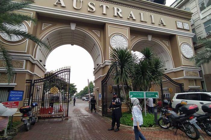 Pintu gerbang kluster Australia Green Lake City Kota Tangerang, Rabu (24/6/2020).