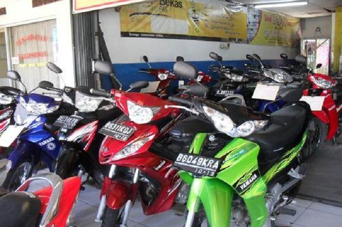 Ilustrasi dealer motor bekas. Harga motor bekas cuma Rp 2 jutaan, pilihannya banyak.