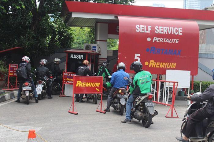 Bensin premium laris manis, Pertamina: Indonesia satu dari 6 negara yang masih gunakan premium.