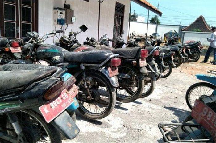 Pemerintah Kabupaten (Pemkab) Kudus akan melelang 49 kendaraan dinas pada hari Selasa (30/6/2020) depan.