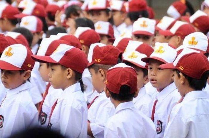 Anak yang belum keterima sekolah, bisa melalui jalur Penerimaan Peserta Didik Baru (PPDB) zonasi RW.