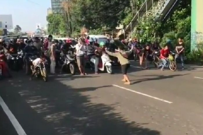 Gak main-main, polisi tebar ancaman serius untuk para pembalap liar, hukuman berat disiapkan buat yang nekat balapan.
