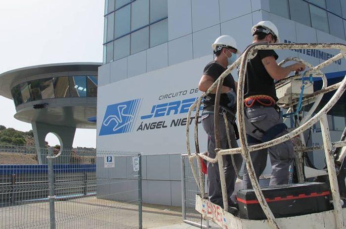 Sirkuit Jerez bersiap jadi host Jadwal MotoGP 2020 (19/7/2020) melakukan pembenahan dan juga larangan pembalap MotoGP latihan di sirkuit Jerez