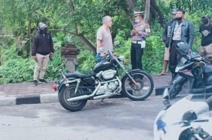 Harley-Davidson dan Honda PCX di Bali