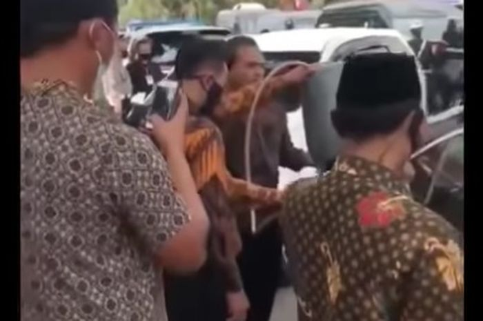Viral video mobil wakil presiden mogok
