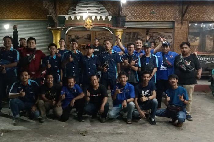 Untuk mempererat tali silaturahmi 4 komunitas motor mengadakan kopdar bareng di Cikarang, Bekasi, Jawa Barat.