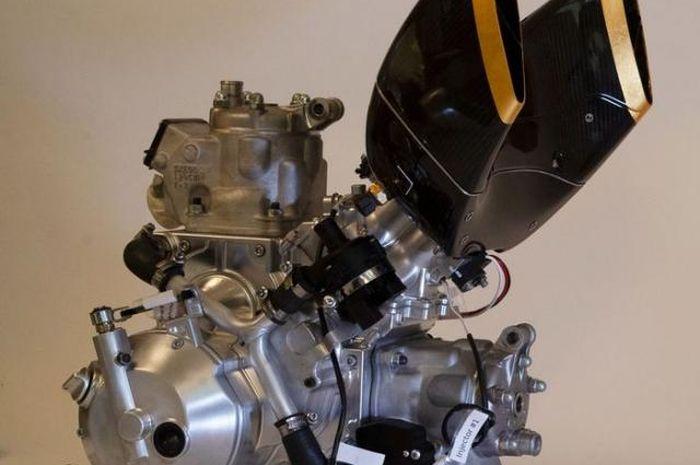 Mesin 2-tak 250 yang digunakan Langen Motorcycles di motor buatannya.