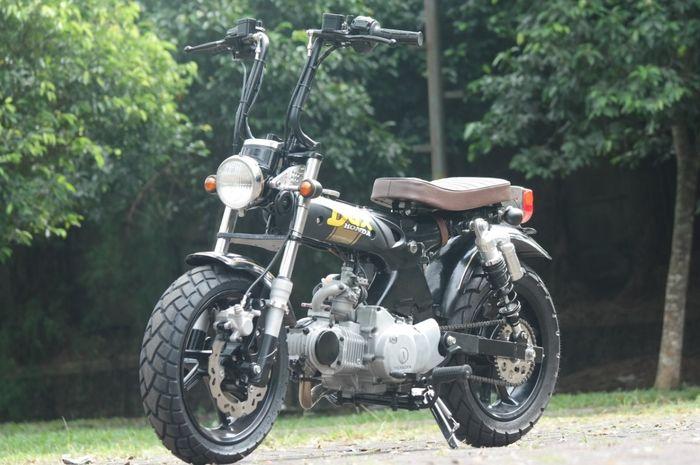 Honda DAX beberapa part dari Yamaha NMAX