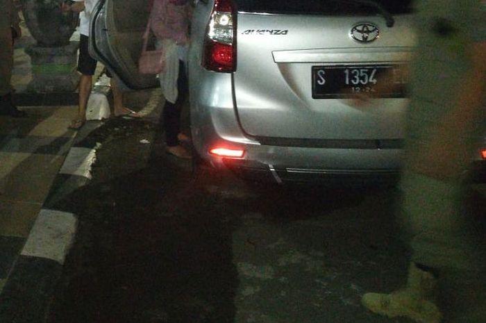 Pasangan mudi mudi ditangkap karena berbuat mobil di dalam mobil yang berhenti di depan rumah dinas wakil bupati Tuban, Rabu (15/7/2020) malam
