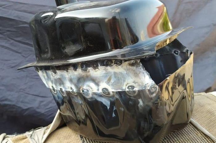 Tangki bensin Yamaha NMAX dibelah dan disambung pelat galvanis agar volumenya bertambah banyak