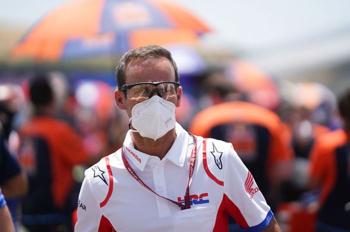 Bos Repsol Honda Team, Alberto Puig, rencananya tidak akan menurunkan Marc Marquez di MotoGP Andalusia 2020 dan baru menurunkan nanti di MotoGP Rep. Ceska 2020 di sirkuit Brno, Agustus mendatang