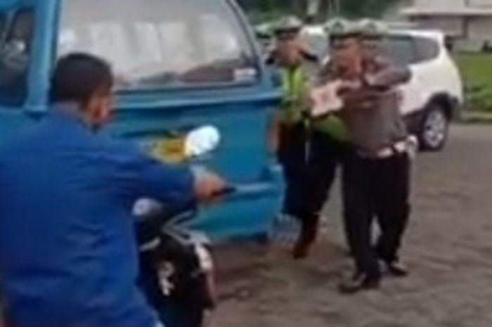 Polisi bikin Tiktok saat razia