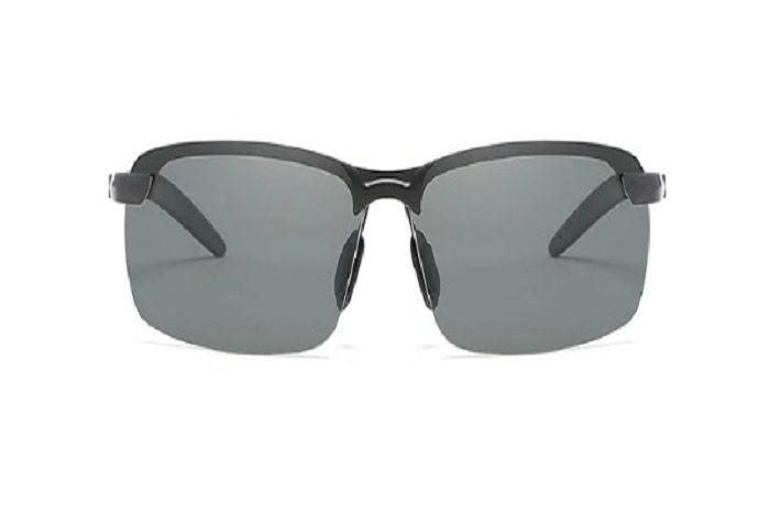 Canggih banget, kacamata bisa berubah warna cocok buat pemotor, harganya murah plus diskon menggiurkan.